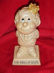 "Berries sillisculpt sentiment figure,""The King of Dads"""