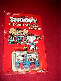 Snoopy Ice cream truck, die cast vehicle, in pkg