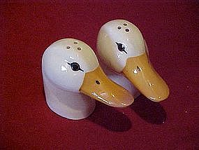 White duck heads salt and pepper shakers