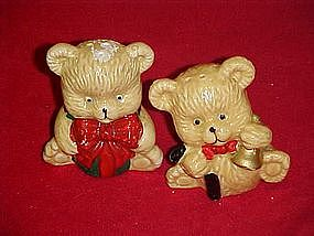 Vintage bear with bows salt and pepper shakers