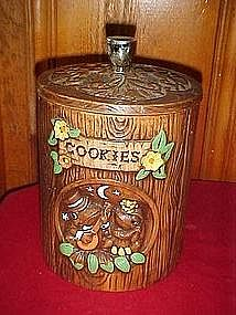 Retro Treasure Craft cookie jar with courting frogs