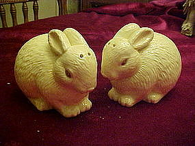 Hallmark bunny rabbit salt and pepper shakers