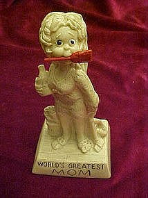 "Berries ""Worlds Greatest Mom"" sillisculpt figurine"