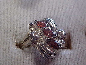 Sterling ladies ring with topaz stones,size 7