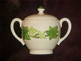 Franciscan ivy sugar bowl and lid, no green  trim