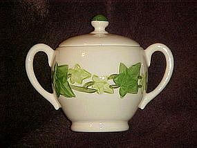 Franciscan ivy sugar bowl and lid, no green  trim