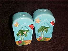 Beach and palm trees  salt and pepper shakers