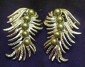 Sarah Coventry silvertone feather  earrings,blue pearls
