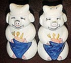 Ceramic pigs, salt and pepper shakers
