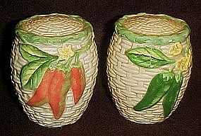 Large basket weave shakers with chili peppers, Omnibus