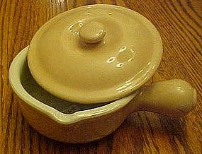 Hall China #644 side handle covered soup, pour spout