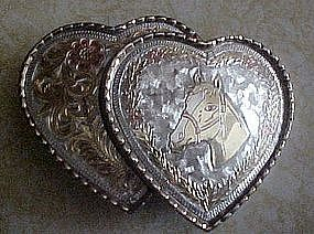 Double heart, western belt buckle with horse head
