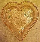 Tiara sandwich pattern pink heart  shape nut dish