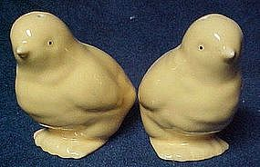Big yellow chicks salt and pepper shakers