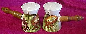 Vintage bar-B-Que theme salt & pepper shakers