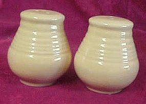 Yellow rings salt and pepper shakers