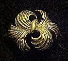 Vintage  1975 Avon Whirlwind ring, gold tone