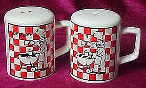 Bar-B-Que Chef, ceramic salt and pepper shakers