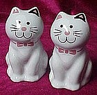 Grey stonewae kitty cat salt and pepper shakers