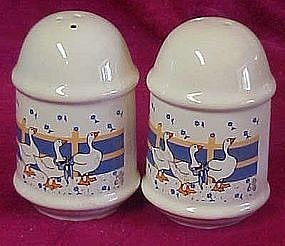 White goose /geese salt pepper shakers