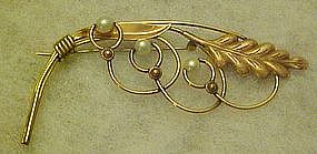 Vintage Van Dell gold filled pin with pearls