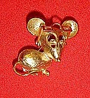 Vintage Avon mouse pin with moveable glasses 1973
