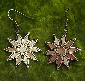 Inlaid pink shell flower earrings pierced