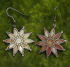 Inlaid pink shell flower earrings pierced