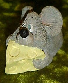 Russ Li'l Loveables  figurine, rat  mouse & cheese