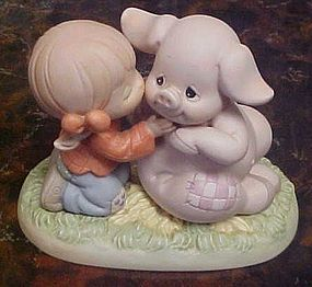 Precious Moments Hogs and kisses figurine #261106