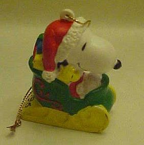 Snoopy in sleigh pvc Christmas ornament 1996