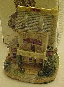 Liberty Falls The Gold Nugget Tavern MIB