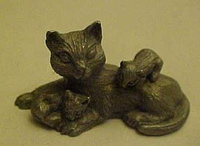 Spoontiques pewter cat and kittens figurines