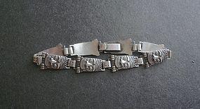 Vintage Sterling Bracelet Totem Pole Rolling Logs Motif