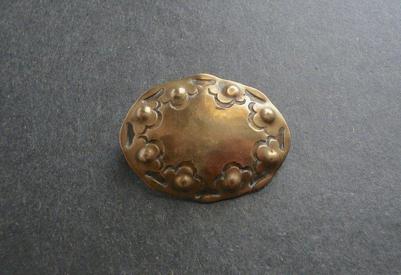 Vintage Albert Kahlbrandt Arts and Crafts Hammered Brooch Handarbeit