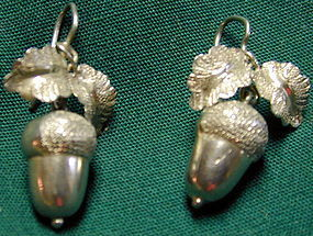 Earrings sterling in the form of acorns