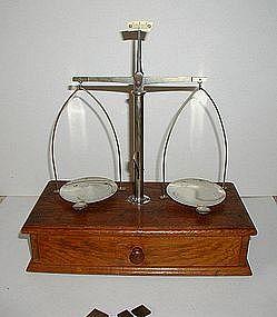 1900s Vintage Oak Apothecary Prescription Balance Scale