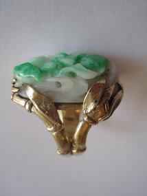 Old Chinese / Burmese Green Jadeite 14K Gold Ring