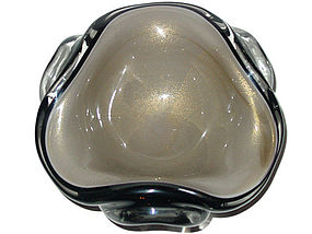 Murano SEGUSO BLACK and GRAY Gold Flecks Triangle Bowl