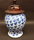Chinese Antique blue and white porcelain jar with lid