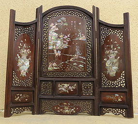 Chinese rosewood mother of pearl inlay table screen