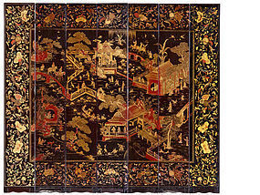 A  POLYCHROME LACQUERED WOOD  Screen