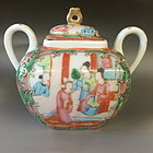 Chinese export Rose Madallion Teapot
