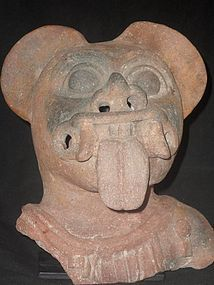 A MASSIVE AND IMPRESSIVE JAMACOAQUE EFFIGY HEAD FROM ECUADOR