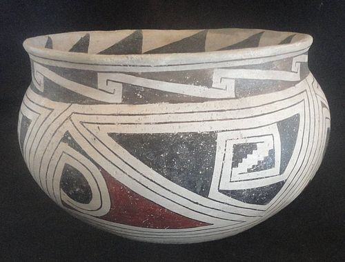 A LARGE AND BEAUTIFULLY ORNAMENTED CASAS GRANDES POLYCHROME BOWL