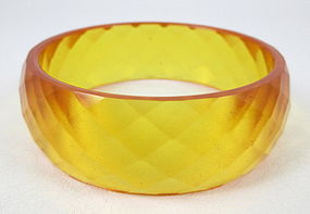 Gorgeous Faceted Applejuice Bakelite Bracelet