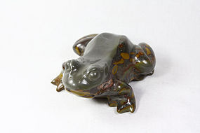 china  stone  frog   strong republican