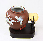 China Yixing bird feeder with ivory clasp  Mark