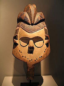 an old suku mask