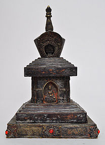 A Sino-Tibetan Chorten